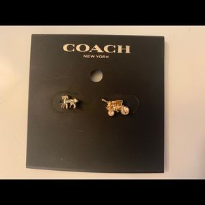 NWT Coach Horse & Carriage Stud Earrings Gold